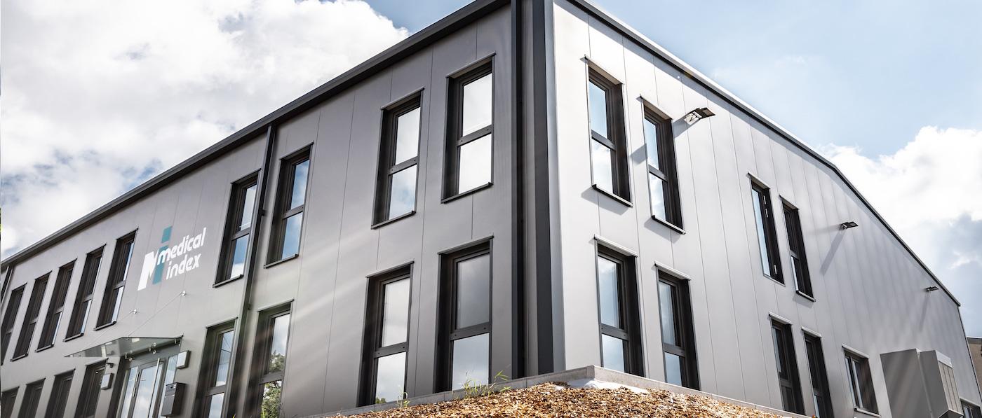 <p>Sie suchen eine Lösung für Ihr Raumproblem? Unsere Stahlhallen sind besonders wirtschaftlich, flexibel, individuell und hochwertig. Ob Lagerhalle, Produktionshalle, Ausstellungshalle, Logistikhalle, Montagehalle –unsere Stahlhallen sind für ein breites Einsatzspektrum geeignet.</p>